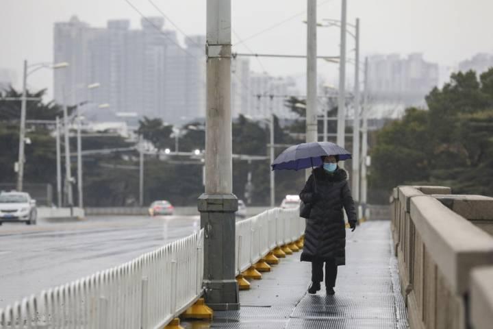 Photo of Coronavirus death toll rises to 56 in China as U.S. prepares to evacuate citizens