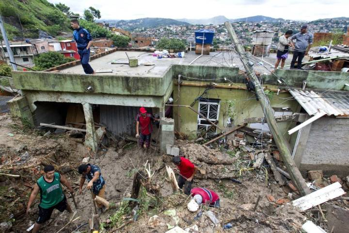 Photo of At least 38 dead, 17 missing after southeastern Brazil hit by record rainfall