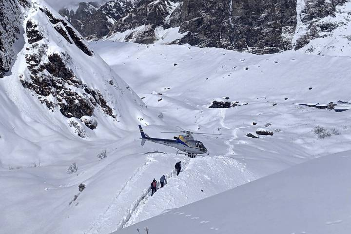 Photo of Rescuers continue search after 7 remain missing in Nepal avalanche