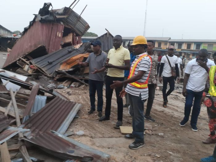 Photo of C/River demolishes illegal shops in motor park