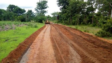Photo of Nsukka LG chairman grades 22 roads in one month