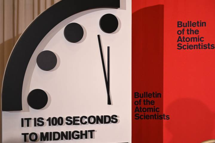 Photo of Doomsday Clock closest to midnight in 73 years amid nuclear war fears, climate change