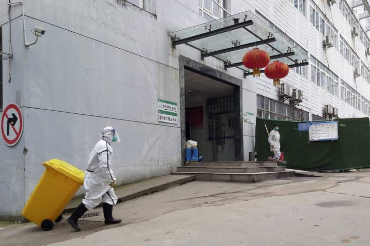 Photo of China scrambles to build 1,000-bed hospital dedicated to coronavirus patients