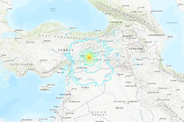 Photo of 6.8 magnitude earthquake shakes eastern Turkey, collapsing several buildings