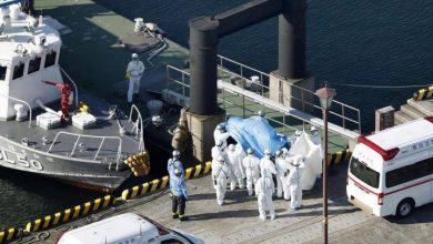 Photo of China's coronavirus death toll hits 563 as Hong Kong, Japan quarantine 2 cruise ships