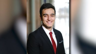 Photo of Kingston high school student, former refugee receives national scholarship: 'We do have potential'