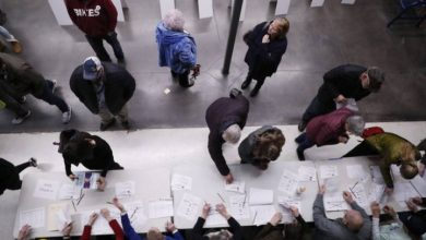 Photo of Iowa caucuses: Officials work furiously to deliver results after tech issue