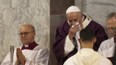 Photo of Pope Francis cancels plans for 3rd day as he battles apparent cold