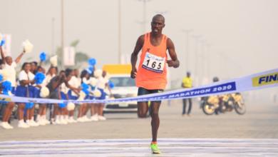 Photo of Lagos Marathon: Lagosians react as Kenyan wins, policemen join in cheering