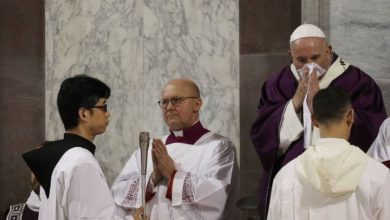 Photo of Pope skips planned mass with Rome priests due to 'slight' illness