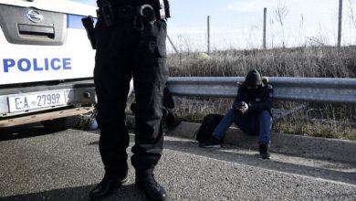 Photo of Thousands of migrants seek to enter Greece despite sealed border