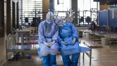 Photo of Wuhan reports no new coronavirus cases for first time as Italy sees deadly day