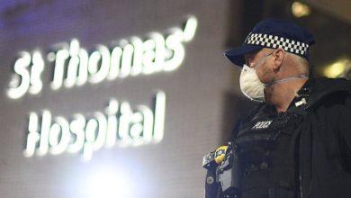 Photo of Britain's Boris Johnson spends night in ICU as coronavirus crisis deepens