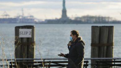 Photo of Coronavirus: New York sees drop in death toll, but officials urge vigilance