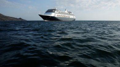 Photo of Coronavirus: Cruise ship carrying 247 Canadians to dock in Florida Thursday