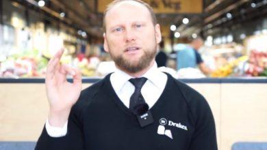 Photo of Store boss flips off coronavirus hoarder asking for $10K toilet paper refund