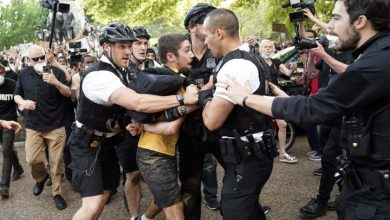 Photo of Fox News reporter attacked, chased by George Floyd protesters outside White House