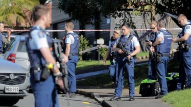 Photo of New Zealand police officer shot dead a day after new round of strict gun laws passed