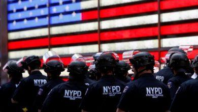 Photo of NYC mayor de Blasio announces plan to slash police budget by $1 billion