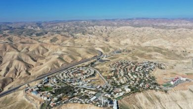 Photo of Coronavirus puts Israel's West Bank annexation on pause, defence minister says