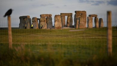 Photo of Archaeologists find prehistoric underground structures near Stonehenge