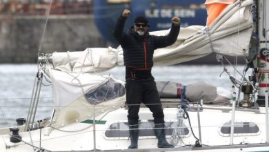 Photo of With no flights, man sails 9,000 km across Atlantic to see dad on Father's Day