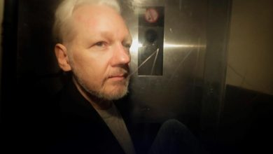 Photo of Wikileaks founder Julian Assange faces new U.S. indictment alleging hacker recruitment