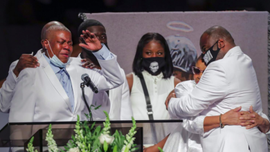 Photo of IN PHOTOS: Emotional moments from George Floyd's funeral