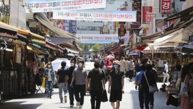 Photo of South Korea's coronavirus success story threatened by surge of new infections