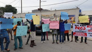 Photo of Lotto enthusiasts protests against judge