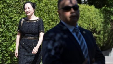 Photo of Meng Wanzhou lawyers argue document release won't compromise national security